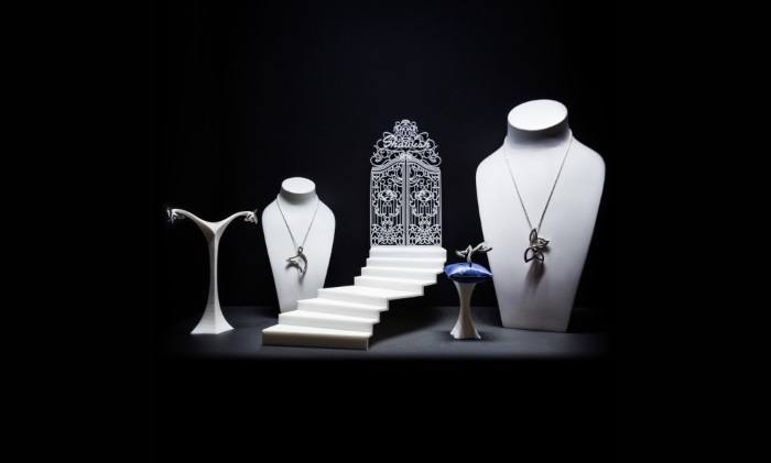Stunning 3D Printed Jewelry Displays Steal Spotlight From Jewels